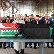Avukat Ergin'i Meslektaşları dualar ile uğurladı