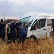 Minibüs kontrolden çıktı 1 kişi öldü, 2 kişi yaralandı.