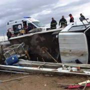 Kamyonet devrildi 4 Kişi Yaralandı