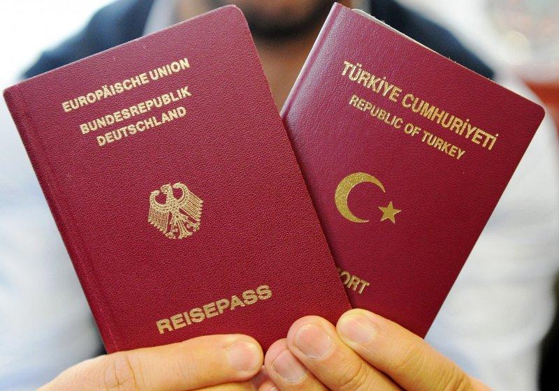 Almanya 1 milyon Türk'ü vatandaşlıktan çıkartıyor