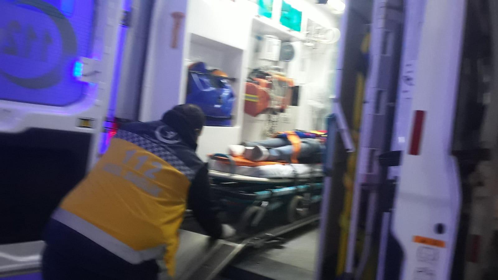 Kamyona arkadan çarptı 3 yaralı
