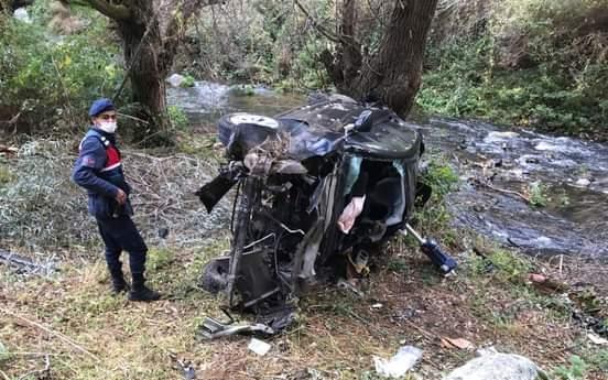 Otomobil 52 metre uçuruma uçtu