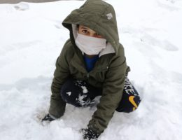 Çocuklar Kar keyfini doyasıya çıkarttı