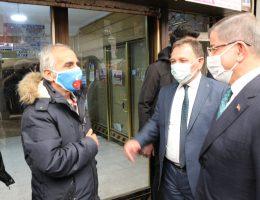 Davutoğlu Aksaray'da esnaf ve vatandaşlarla dertleşti